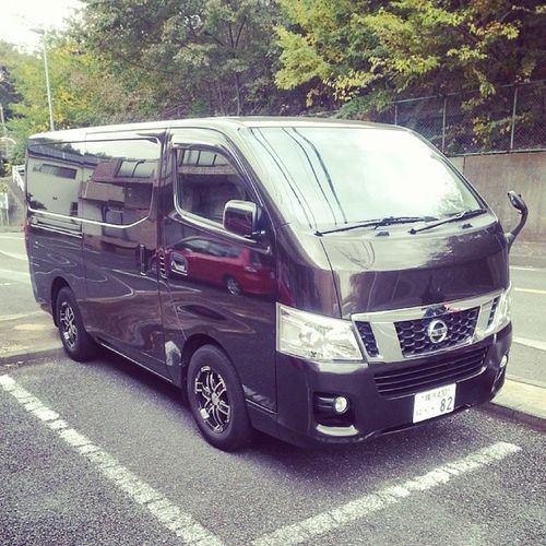 Nissan NV350 Caravan this would be a great team van