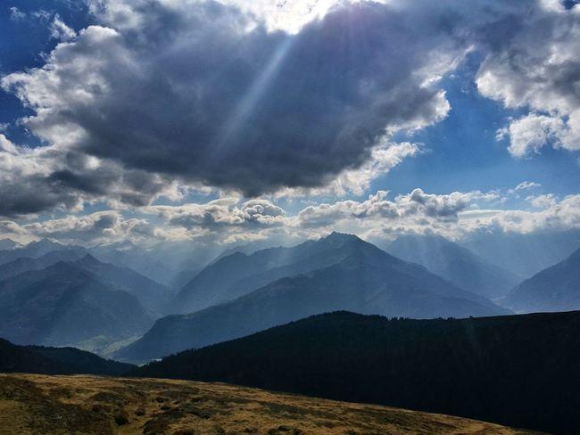 Outdoors Sun Sonne Berg Happy Kalt Windig Herbst Mountain Rural Scene Sky Landscape Mountain Range Cloud - Sky Hiker