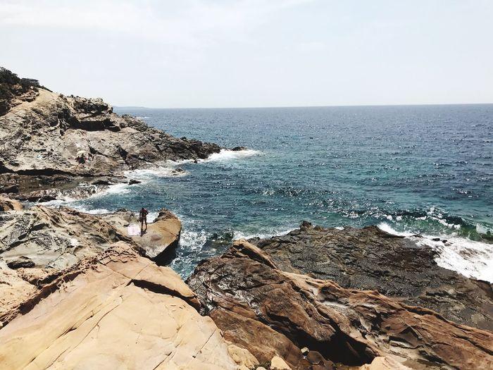 Beauty In Nature Water Nature Sea Horizon Over Water Beauty In Nature Tranquility Rock - Object
