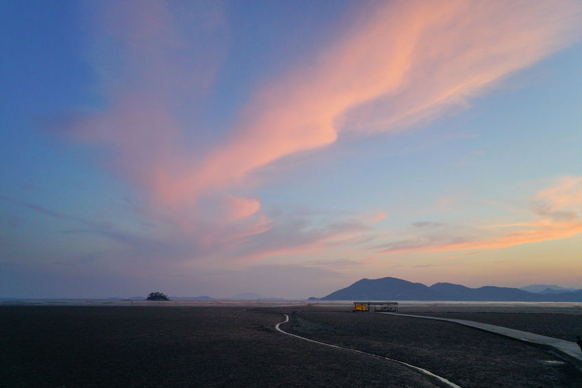 Sunset Landscape Tranquil Scene Transportation Cloud - Sky Scenics Road Outdoors No People Beauty In Nature Tranquility Awe Sky Travel Destinations Nature Day Hanguo Korea 순천스냅 광양스냅 여수스냅 와온 일몰 순천일몰