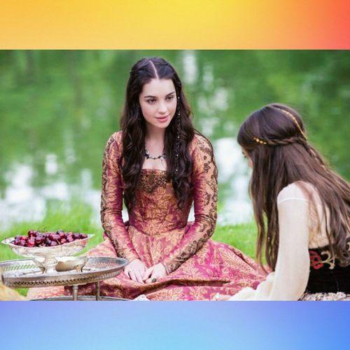 Аделаида Кейн Adelaidekane МарияMaryStuartqueenofScotland актриса сериала царство Reign @adelaidekane @caitlinjstasey