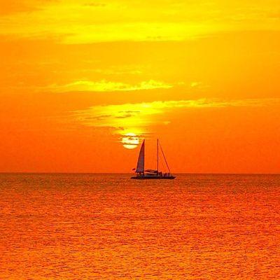 Sunsetsareonme Westindies_pictures Caribbean_sunsets Grenada Ig_best_sunset Ilivewhereyouvacation Skyporn Rsa_light