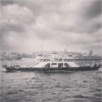 Vapur'dan... Turkishfollower Altinvizor Awardsturk Bir_dakika Gununkaresi Anlatistanbul Fotografheryerde Hayatakarken Ig_renk Ig_reward Ig_sharepoint Ig_today My_dream_turkey Objektifimden Instagramturkey Istanbuldayasam Objektifindenyansiyanlar Photo_turkey Turk_kadraj Zamanakarsi Safaristanbul Ig_turkey @natgeo @natgeoturkiye Lovefromturkey