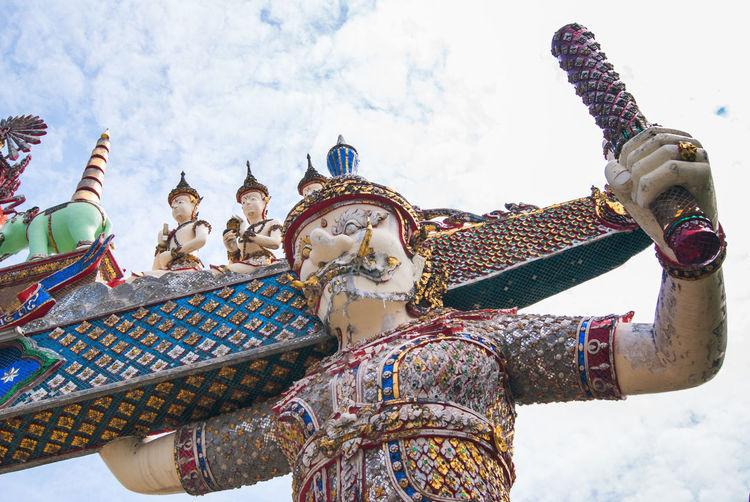 Clorful Giant Giant Thai Giants Gurdian Multi Colored No People Outdoors Riligion Sky Temple Temple Gate Thai Thai Temple Thailand
