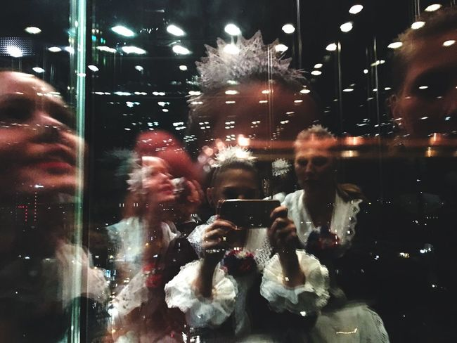 Echt kölsch Mädsche Elevator Selfie Mirror Reflection Photography Pullman Cologne Afterparty Karneval Dance