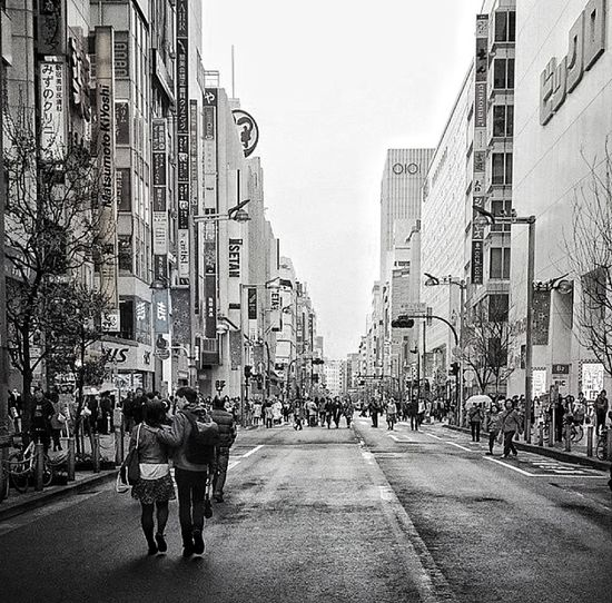 The streets of Shinjuku Urban Photography People Watching Black & White Monochrome