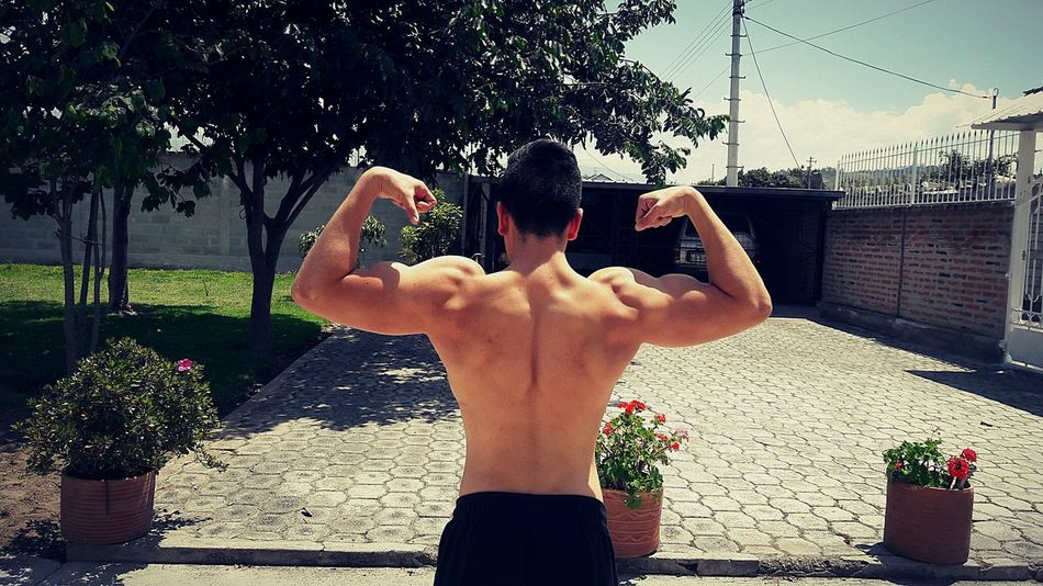 Instagram: galvez260 Nature Rear View Body & Fitness Biceps Arms Arms Biceps Workout #bodybuilding Sport Shirtless Refreshment Lifestyles Motion Leisure Activity Day Outdoors First Eyeem Photo