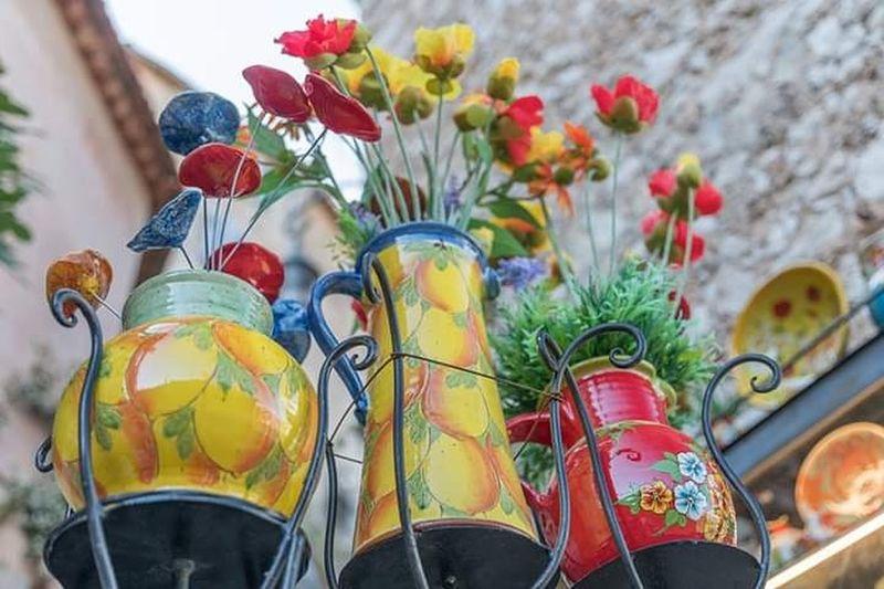 les #artistes dans les rues d' eze Art Artist Artiste Flower Multi Colored Jar Close-up Vase Bunch Of Flowers Bouquet Flower Arrangement Tulip Rose - Flower Rosé