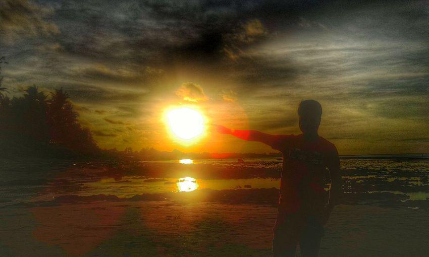 Sunbursts Weareanime Taking Photos Wildeyes