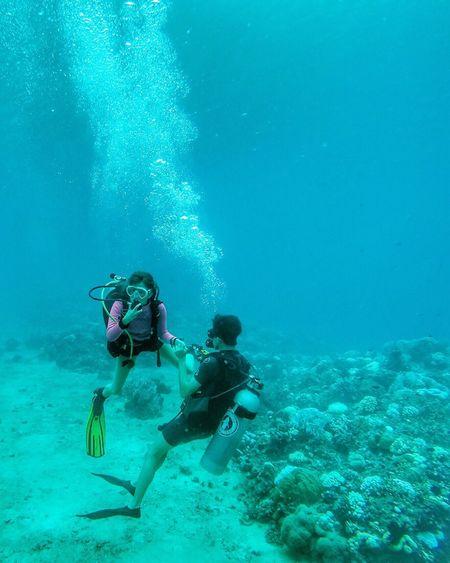 Lombok-Indonesia Gili Trawangan GiliGililombokgili Diving Under The Sun Inside Ocean