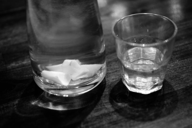 refreshing Black And White Black And White Photography Carafe Close-up Drink Drinking Glass Eyeem Black And White EyeEm Black&white! Freshness Ginger Water Glass Glass - Material Glass Of Water Indoors  No People Table Water