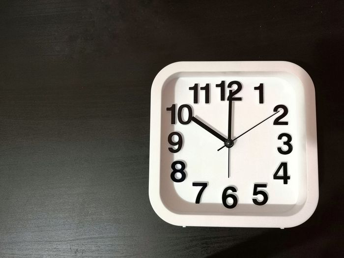 Clock shown 10