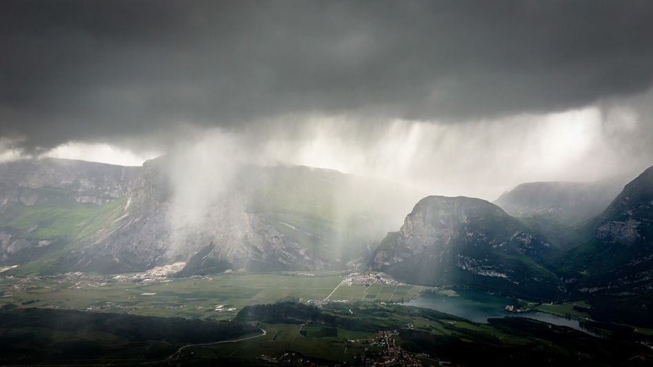 schleusen auf   Dark EyeEm Best Shots Heavy Rain Rain Rainy Days Weather WeatherPro: Your Perfect Weather Shot Alps Beauty In Nature Clouds Darkness And Light Day Fog Lake Landscape Mountain Mountain Range Nature No People Outdoors Scenics Sky Tranquil Scene View From Above Water