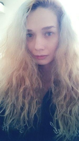 That's Me Hi! Hair Style Enjoying Life Love ♥ Beautiful Day Picoftheday Photooftheday Cute♡ Curly Hair Blonde Hair Peace ✌ Selfie✌ Beauty Photographer NyraPhotoArt Happiness Longhair♥ Selfie Portrait Taking Photos