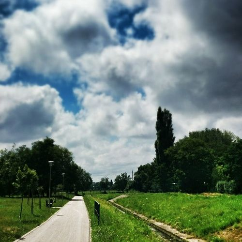 Friss levegőn. Budapest Hungary Sky HDR Clouds Cloudporn Googlephotos Water
