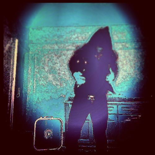 Styling Shadow NewYorkMinute Nycartist Getbusyliving villagearts newyorkstateofmind dontfalldownnow