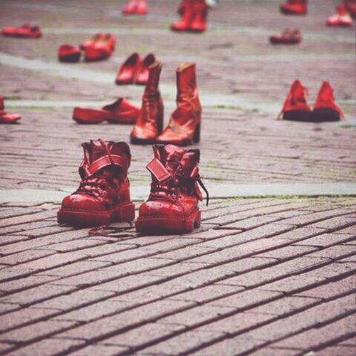 Modernart Boots Red Stopviolence