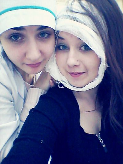 In A Lab Friends Practice Time  Medical Student