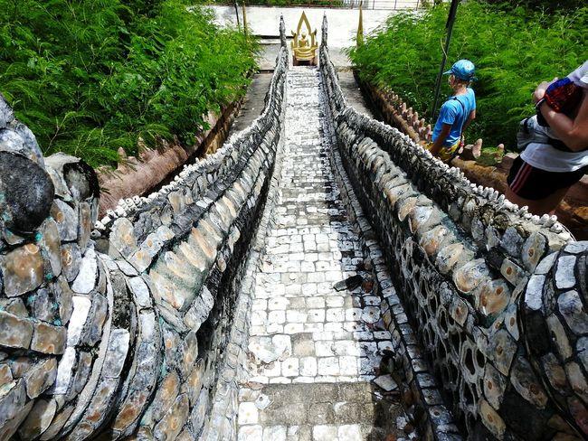 Of Seashell Seashell Temple Buddha Religion Daughter Walking Around Ao Noi Real Thailand Sunny Day 🌞 EyeEm Selects EyeEmNewHere Thailand Prachuap Khiri Khan PrachuapKhiriKhan