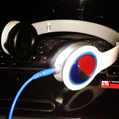 Headphones !! Sonidos !! Live Music !!