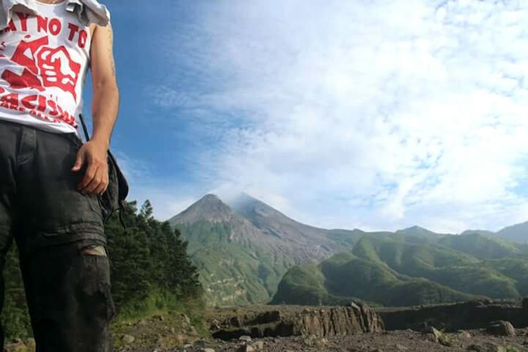 Picturing Individuality EyeEm Nature Lover Hanging Out Landscape INDONESIA Yogyakarta, Indonesia Indonesia_photography Showcase: November No Racism!!! Gegenrechts Merapi Volcano Self Portrait Around The World That's Me The Purist (no Edit, No Filter)