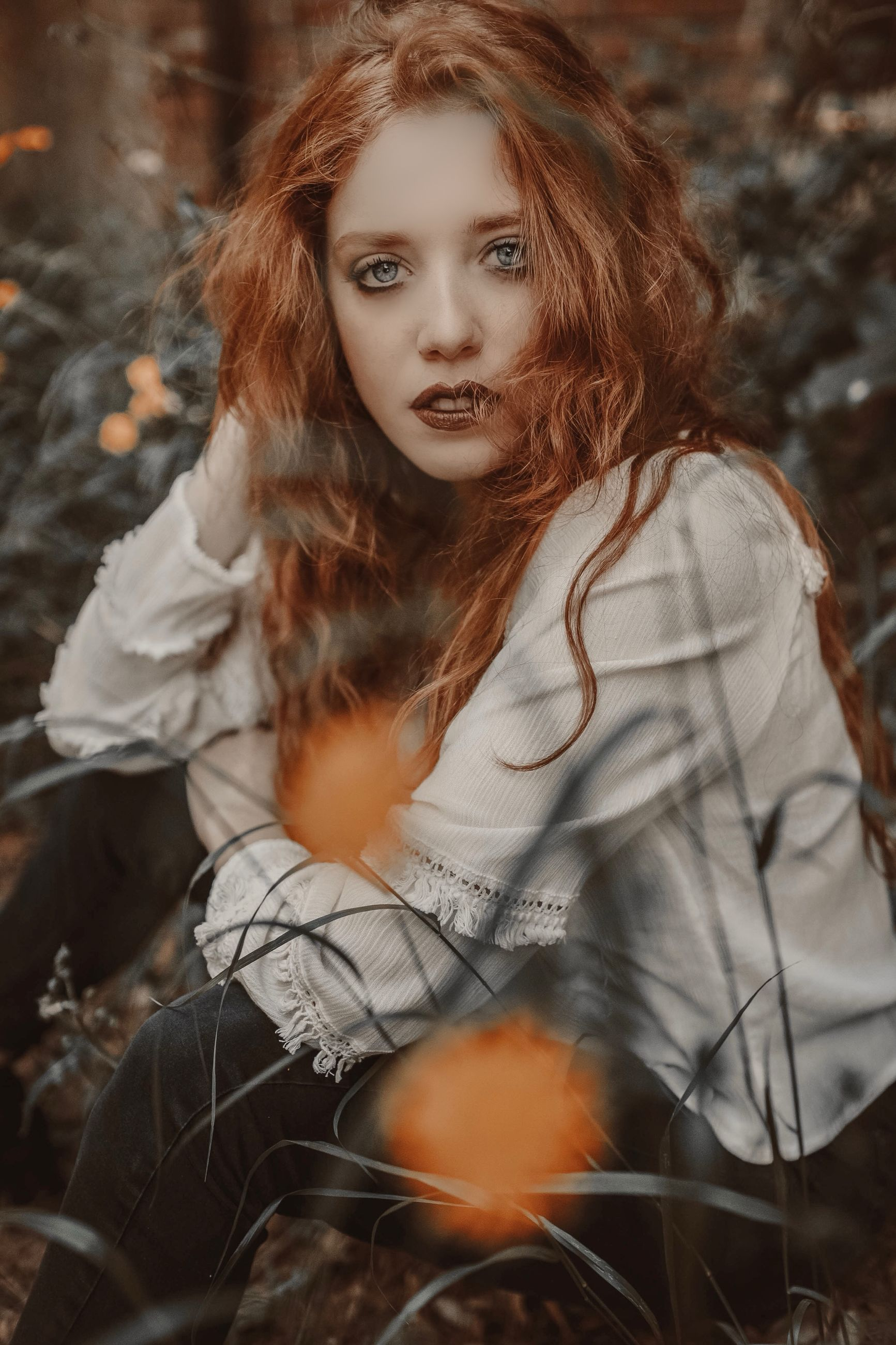 one person, long hair, young adult, hairstyle, young women, hair, leisure activity, women, beauty, portrait, beautiful woman, real people, lifestyles, casual clothing, looking at camera, looking, land, forest, outdoors, contemplation, teenager