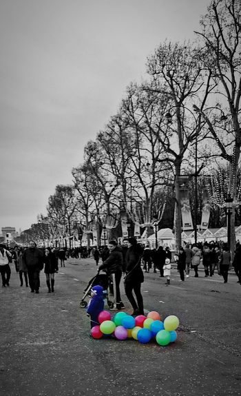 Paris Le Petit Garçon Aux Ballons Happy New Year! Telling Stories Differently Uniqueness Shades Of Winter Stories From The City