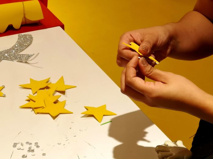 Human Hand Childhood Close-up Body Part Star Shape Finger Colored Pencil Drawing - Activity Starfish  Art And Craft Equipment Pencil Shavings Paintbrush Christmas Ornament