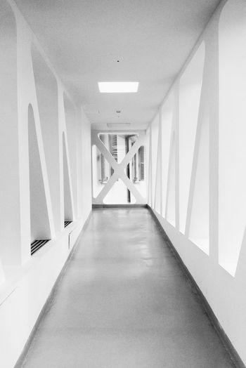 EyeEm Best Shots EyeEm Selects EyeEm Gallery EyeEmBestPics Milano Museo Del Novecento Architecture Blak And White Corridor Eye4photography  Indoors  No People