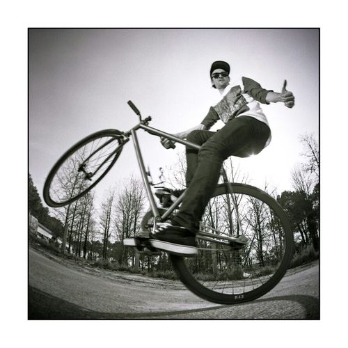 Hanging Out Chilling France Bike Taking Photos Fixie Rekiem Skateboards Jérémie Plisson