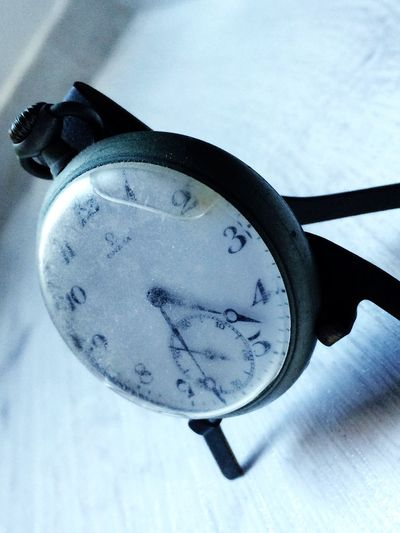 Clock Hour Time Timeless Old old watch from the past Past Watch