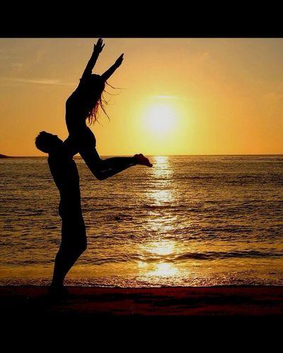 🌅💙 Enjoying The Sun Sea EyeEm Taking Photos OneLove Love ♥ Sunset Silhouettes
