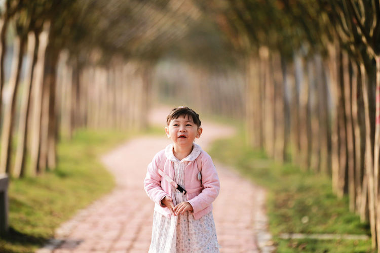 cute little girl Girl Portrait Smiling Happiness Standing Countryside The Portraitist - 2018 EyeEm Awards