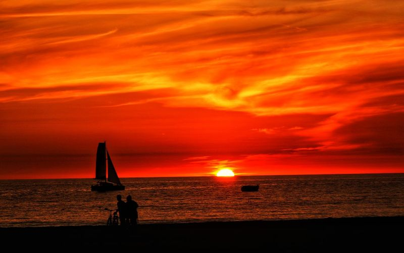California Beach Manhattan Beach, CA Wait New Year Best Photo 2017 Sunset Sea Horizon Over Water Dramatic Sky Orange Color No People Cloud - Sky