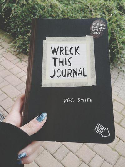 Distruggi questo libro.
