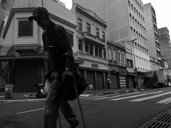 "07:16 am in São Paulo The24HourProject 24hr14 ""Just Another Morning"" a post by @rodrigobw (Instagram) as part of @the24hourproject Walk This Way The Human Condition"