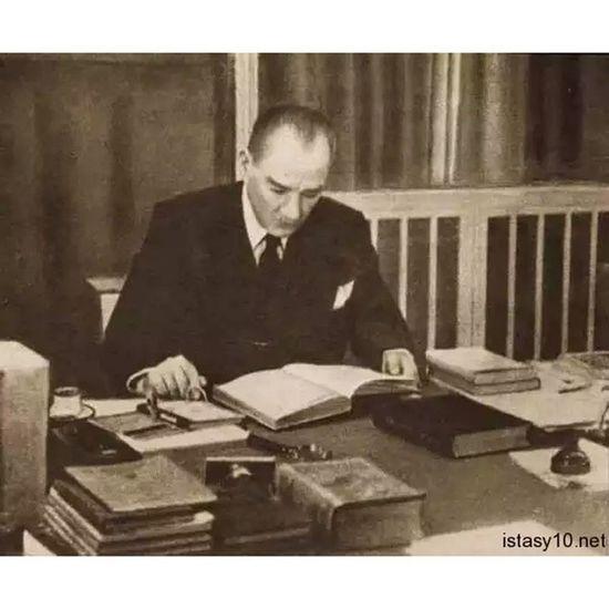 Dünyanın her tarafında öğretmenler insan topluluğunun en fedakar ve saygıdeğer unsurlarıdır. Başöğretmen Mustafa Kemal Atatürk 24kasim Ogretmenlergunu Ogretmen Basogretmen Atatürk MustafaKemalAtatürk MustafaKemal Ataturk Turkiye 10Kasim 1938 UluOnder MKA ataturk Türkiye OnuAniyoruz OnuAriyoruz istanbul ankara izmir mustafa kemal AtaTürkiye Turkey president leader commander
