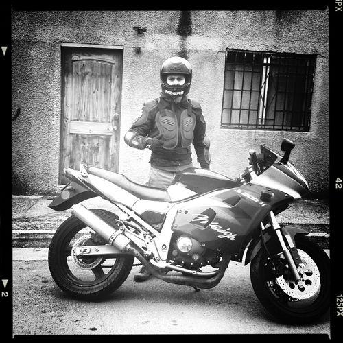 Hay viajes que uno debe hacerlo solo, motocicleta.... Mas bien dicho mi angel guardia......