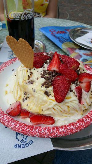 So schmeckt sommer Eiscafe SanMarcoSinsheim