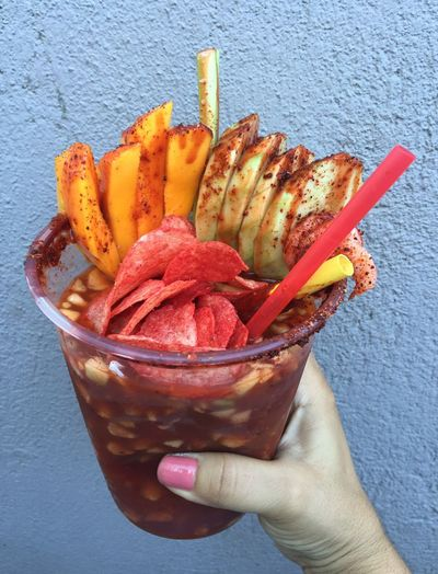Yummyinmytummy 😝😋😋😋 Cheers 😜😜 what this : is the paradise 😝😝 ok nop 🙄clam ,shrimp ,cucumber, celery, tomato juice ,mango beer, chips 🌀.🌀 Beer Time Summer ☀ Relaxing Explosion in my Tummy 😂😍😍 Crazy Tijuanalife Tijuana Loca Crazy City Crazy People 😜👌🏻👌🏻👌🏻👌🏻👌🏻