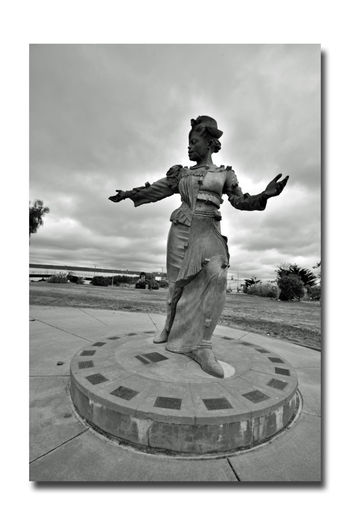 Oakland Leaders Commemorated 2 Sigame Follow Me Union Point Park Port Of Oakland, Ca Honors Women From Oakland's Earliest History Statue Sculpture : Fiberglass, Steel,Concrete Base: 20 Brass Plaques Identify Historic Women Sigame Is Composed Of 20 Individually Cast Parts Bnw_friday_eyeemchallenge Bnw_statues Sculptor : Scott Donahue 2001 13ft. 2 In. Monochrome_Photography Monochrome Black & White Black & White Photography Black And White Black And White Collection  Embarcadero Cove Waterfront Public Art Commémoration Landscape