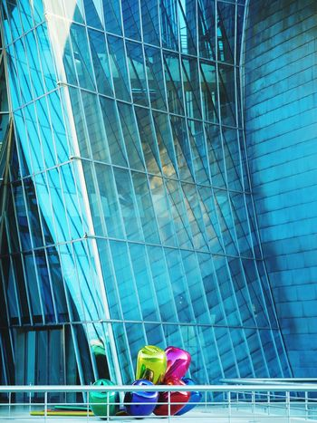 Koons + Gehry. Guggenheim Bilbao Architecture Frank Gehry Jeff Koons SPAIN Bilbao Artist Tulips