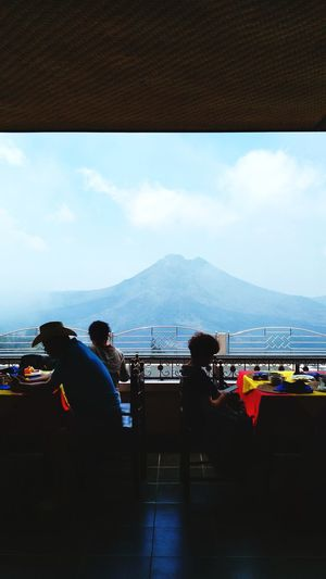 Lunch Lunch Afternoon Tea China Tourist Am2018bali Bali, Indonesia Travel Destinations Environment The Street Photographer - 2018 EyeEm Awards Mount Batur City Mountain Cityscape Airport Water Sky Landscape Mountain Range High Street Relaxing Moments Scenery