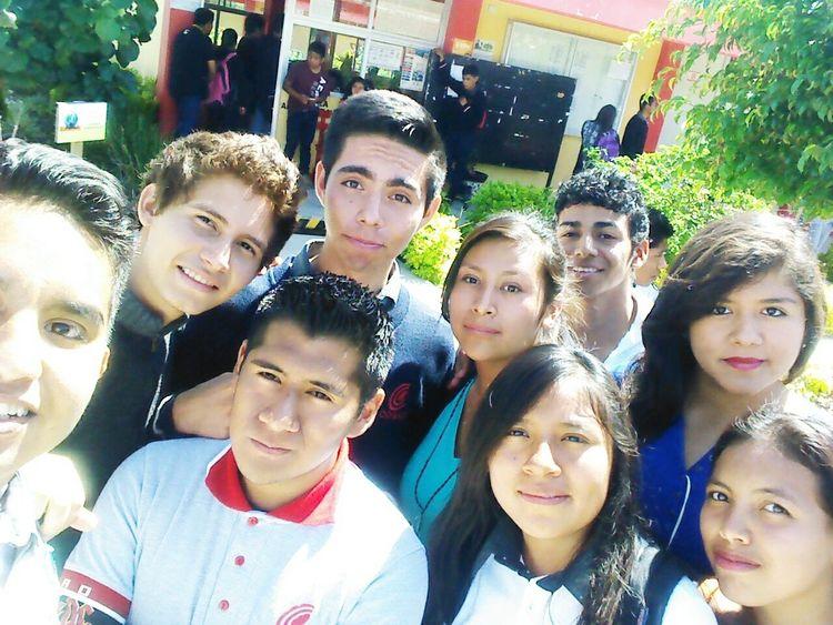Mas que una amistad, una hermandad! Graduacion Ultimas Selfies Amigos