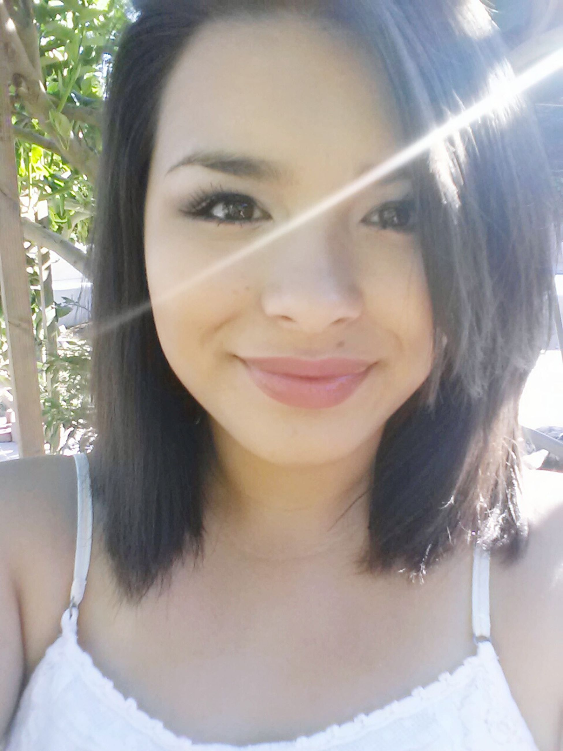 young adult, young women, portrait, looking at camera, person, lifestyles, front view, headshot, long hair, smiling, leisure activity, close-up, beauty, toothy smile, black hair, happiness, head and shoulders