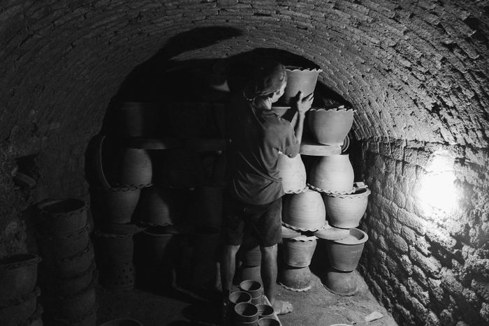 Close-up Day Indoors  Sculpture Blackandwhite Photography Blackandwhite Kiln Cave Kiln Jars  Pottery Pottery Factory Pottery Pieces One Man