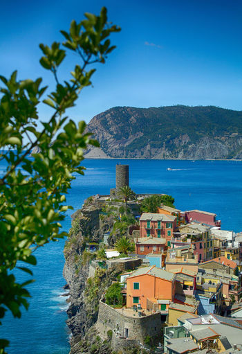 Vernazza - Cinque Terre😍 // Let me know your impressions😉 Nature_collection Landscape_captures Landscape_photography Landscape_lovers Landscape_Collection MarMediterraneo Coastline Sea Scenics Bluesea Riviera Cinqueterre Bluesky Nature Landscape Italy Outdoors Italia Liguria Vacations Coast Horizon Over Water The Great Outdoors - 2018 EyeEm Awards