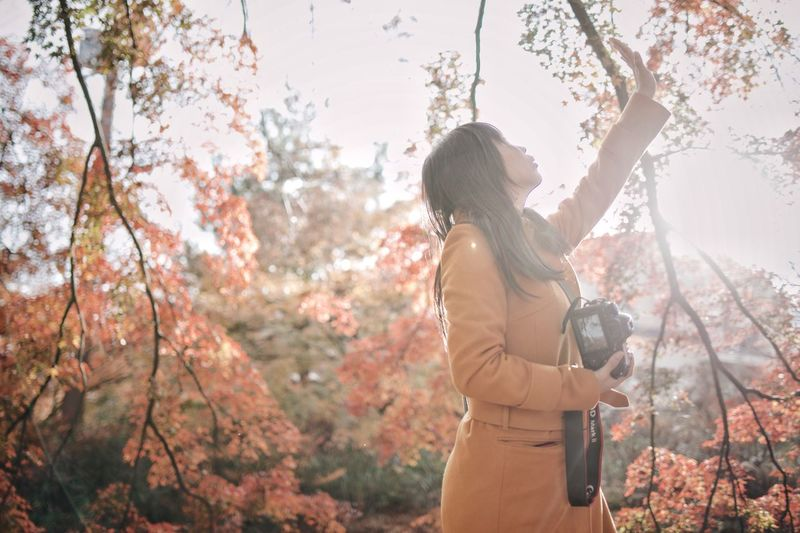 Nature Japan Vscocam Streetphotography Light And Shadow Snap Bokeh One Person Tree Plant Adult Leisure Activity Nature Women