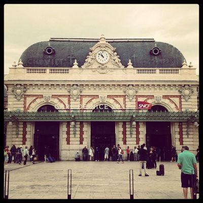 Gare de Nice Ville, en attendant mon TGV Nice Niceville Gare Garetgv tgv cotedazur visitcotedazur var frenchriviera