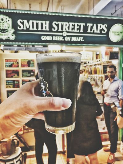 Anderson Valley BA Stout Beer Craftbeer SmithStreet Taps Singapore Alcohol Huawei Huaweimate9 Leica Lens Food And Drink Refreshment Human Body Part Human Hand Lifestyles City Freshness